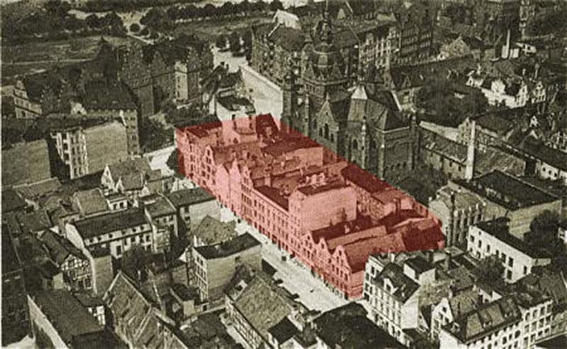Miejsce w którym stoi obecnie budynek teatru. Po prawej widoczna wielka bryła Synagogi rozebranej w 1939