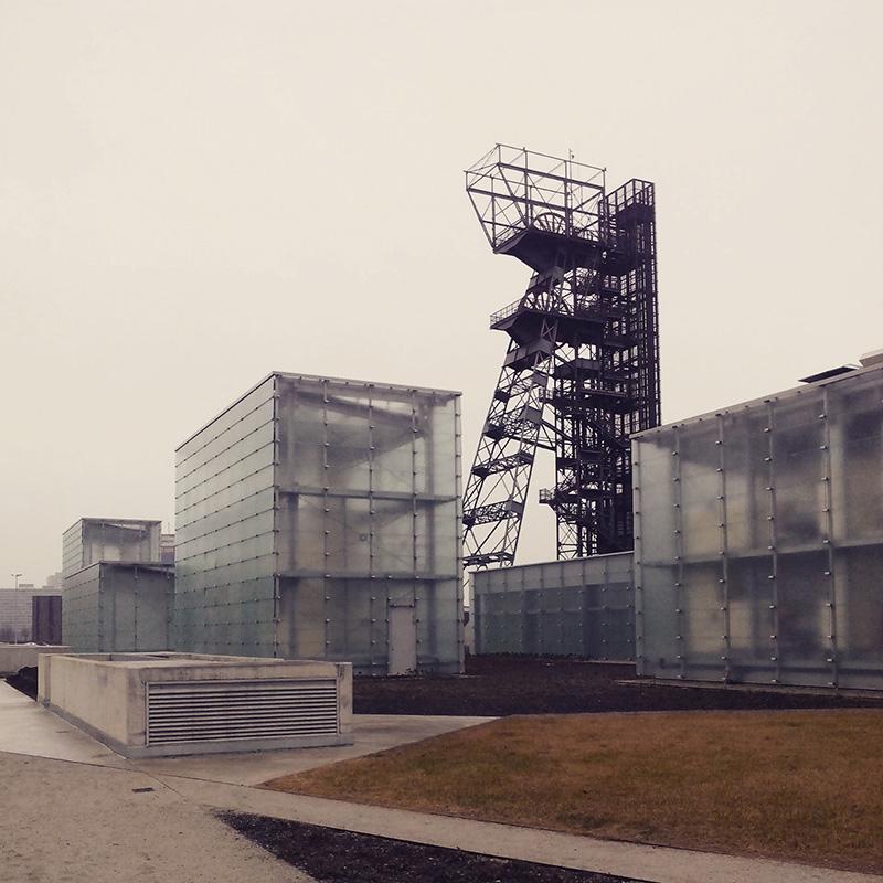 Muzeum Śląskie oraz wieża szybu 'Warszawa'